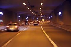 Piloter par un tunnel aux Pays Bas image libre de droits
