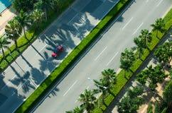 Piloter sur la route de rue Photographie stock libre de droits