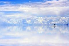 Piloter sur les saltflats humides Image stock