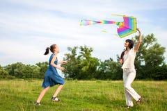 Piloter un cerf-volant Image stock