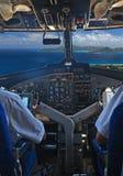 Pilotes au-dessus des îles tropicales Photographie stock