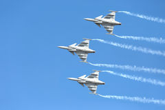 Piloti acrobatici del gruppo del F16 Gripen e del 1° agosto Immagini Stock Libere da Diritti