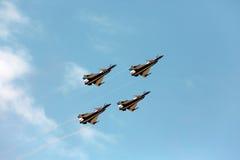 Piloti acrobatici del gruppo del F16 Gripen e del 1° agosto Immagine Stock Libera da Diritti