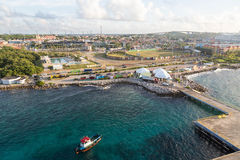 Piloto Boat Leaving Curacao imagens de stock royalty free