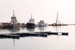 Piloto Boats en un puerto Imágenes de archivo libres de regalías