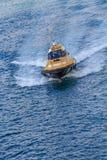 Piloto que apresura Boat en Barcelona Imagenes de archivo