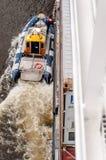 Pilotowej łodzi zbiornika wytyczny statek Zdjęcie Stock