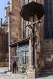 Pilsen Tjeckien - 02/21/2018: Ängel på kyrka för St Bartholomew ` s Arkivbild