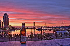Pilsener Urquell en zonsondergang Melbourne Royalty-vrije Stock Fotografie