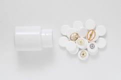 Pilules de médecine d'une vitesse de tube Photo stock