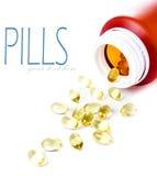Pilules de médicament se renversant hors de la bouteille de pilule d'isolement sur le blanc Images libres de droits