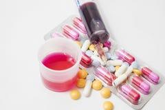 Pilules et médecines à la santé Image stock