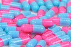 Pilules médicales colorées Photos libres de droits