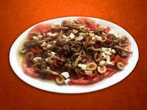 Pilz-, Käse- und Tomatensalat Stockbild