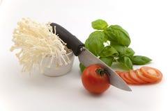 Pilz-Tomate und Basilikum Lizenzfreie Stockfotografie