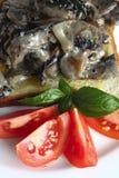 Pilze auf Toastvertikale lizenzfreie stockfotos