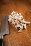 Pilze und Messer Lizenzfreie Stockfotos