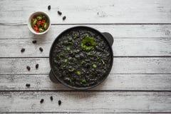 Pimentão preto dos feijões pretos Culinária étnica foto de stock royalty free