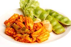 Pimentões e Sato picantes brancos cozinhados do calamar Fotografia de Stock Royalty Free
