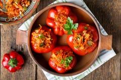 Pimenta doce enchida com vegetais foto de stock royalty free