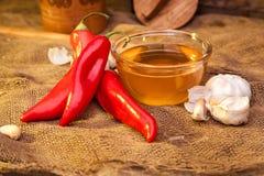 Pimenta doce, mel e alho Imagens de Stock Royalty Free