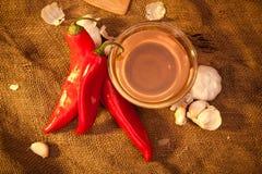 Pimenta doce, mel e alho Fotos de Stock Royalty Free