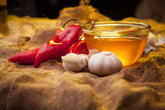 Pimenta doce, mel e alho Fotos de Stock