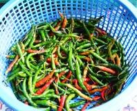 Pimenta na cesta no mercado Imagens de Stock