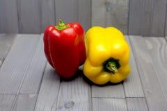Pimenta vermelha e amarela Fotos de Stock Royalty Free