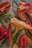 Pimentas de pimentão quentes e picantes Fotos de Stock Royalty Free