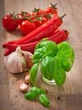 Pimentas de pimentão, tomates, alho Imagem de Stock Royalty Free
