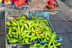 Pimentas de pimentão verdes fotografia de stock royalty free