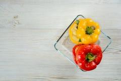 Pimentas enchidas vermelhas e amarelas Fotos de Stock Royalty Free