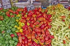 Pimentas no mercado local Foto de Stock Royalty Free