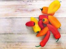 Pimentas vermelhas, amarelas, alaranjadas doces Fotos de Stock
