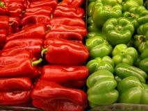 Pimentas vermelhas e verdes Imagens de Stock Royalty Free