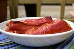 Pimentas vermelhas enchidas com carne fotografia de stock
