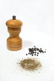 Pimienta negra y molino fotografía de archivo libre de regalías