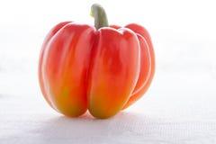 Pimienta roja fresca en el fondo blanco Imagen de archivo libre de regalías