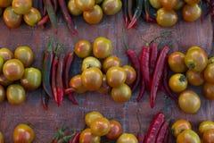 Pimienta y tomate de chile rojo fresca Imagen de archivo libre de regalías