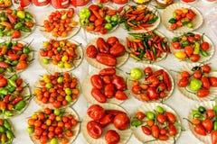 Pimientas de chile en el mercado Fotos de archivo libres de regalías