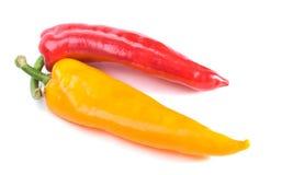 Pimientas dulces rojas y amarillas imagenes de archivo