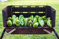 Pimientas en barbacoa foto de archivo