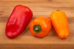 Pimientas maduras crudas de la paprika imagen de archivo