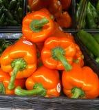 Pimientas, rojo, amarillo, naranja, verde imagenes de archivo