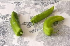 Pimientas verdes brillantes Fotos de archivo libres de regalías