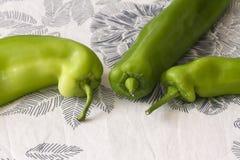 Pimientas verdes brillantes Imágenes de archivo libres de regalías