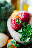 Pimientas y verduras listas para guisar Foto de archivo