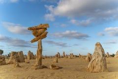 Pináculos empilhados - Austrália Ocidental foto de stock