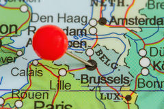 在布鲁塞尔地图的Pin  免版税库存照片